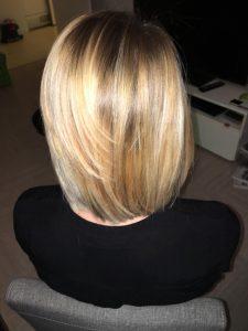 modèle cheveux carré blond