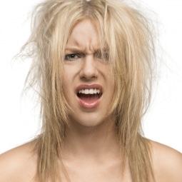 modèle-femme-cheveux-secs